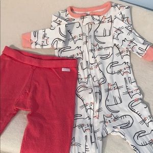 Other - ✨2/$20✨Lot of 2 Mexx pants and Carter's sleeper